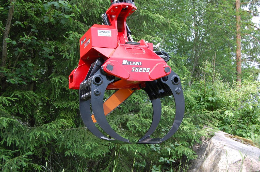 First Mecanil grapple saw is manufactured